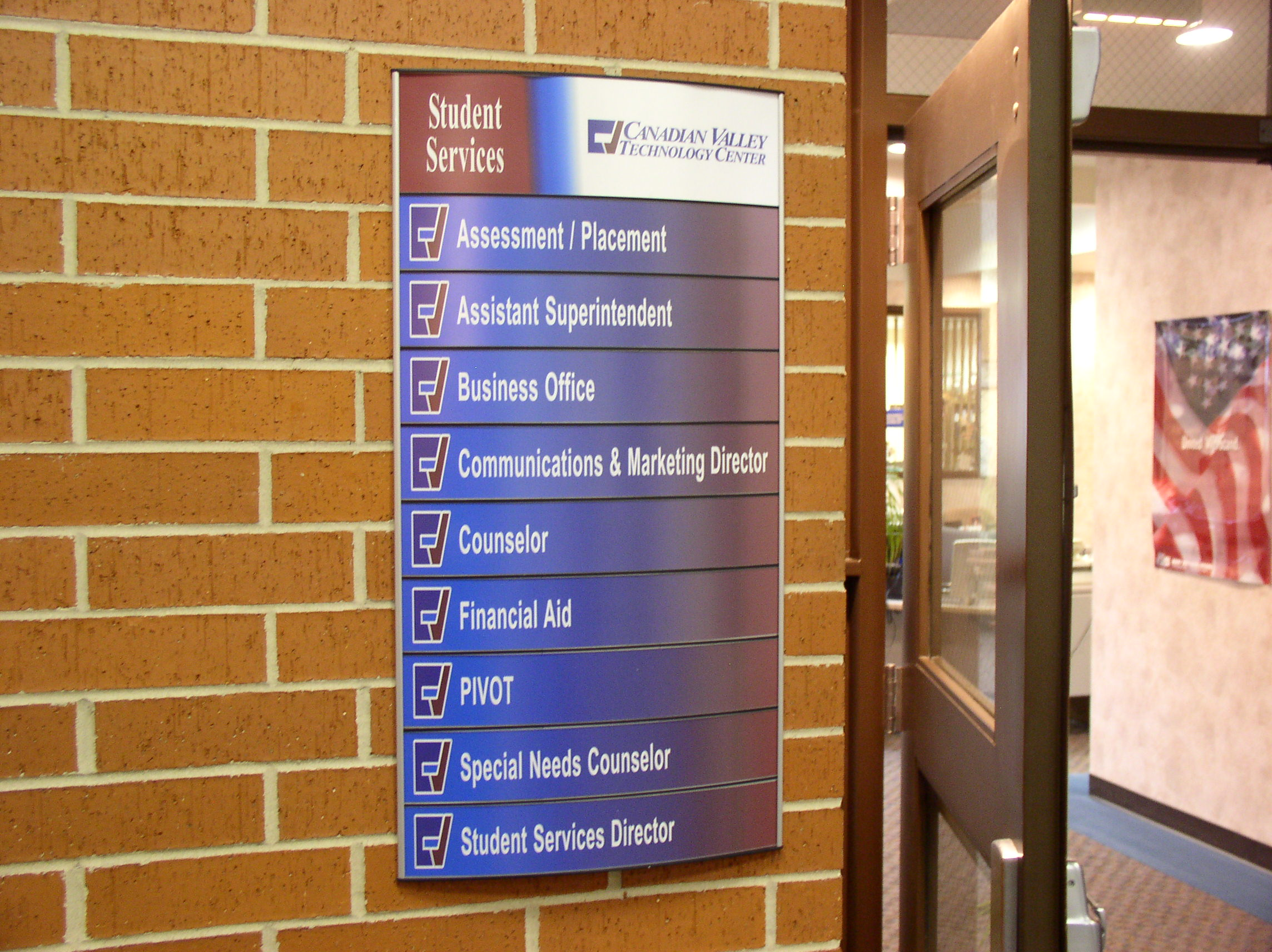 Curved Removable Lens Signs Interior Sign Solutions